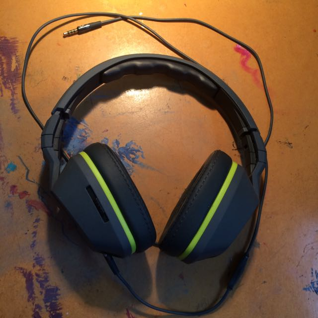 Skull candy Charcoal Grey And Highlighted Green/yellow Headphones