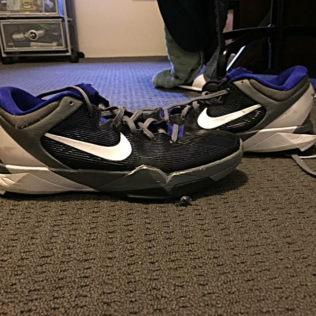 Kobe 7s - Size 9us URGENT NEED TO SELL