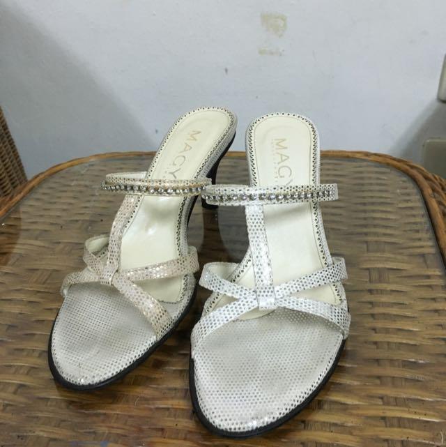 MAGY 鞋