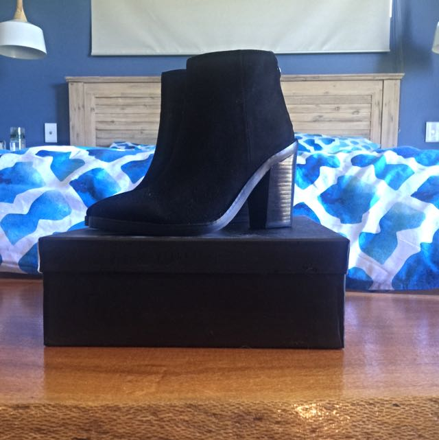 Montanna Suede Ankle Boots