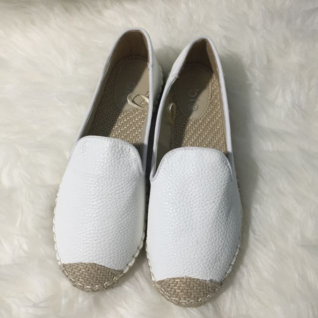 NEW RUBI SHOES White shoes SIZE 7