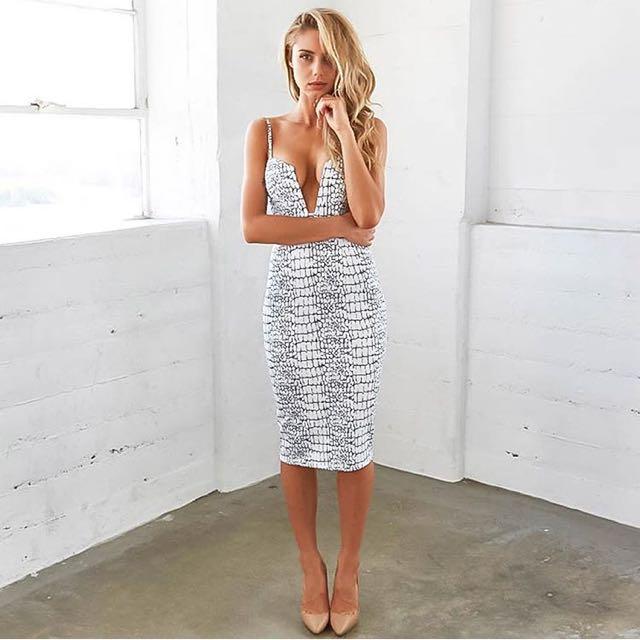 Size 6. Tigermist Dress