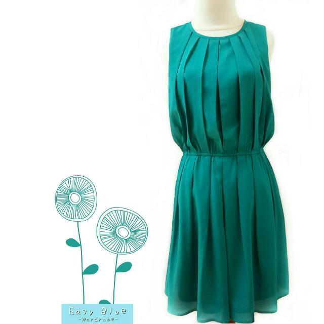 Solemio Tosca Pleats Sleeveless Dress