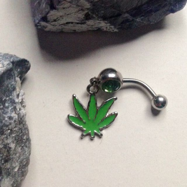 Weed/Marijuana Dangle Belly Bar
