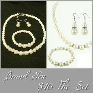 Dress jewellery set