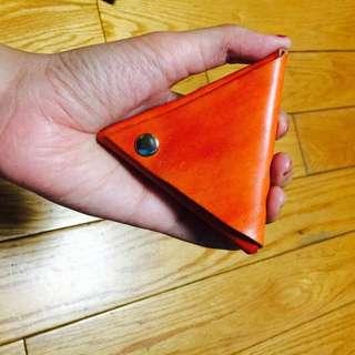 橘色皮革三角型小零錢包