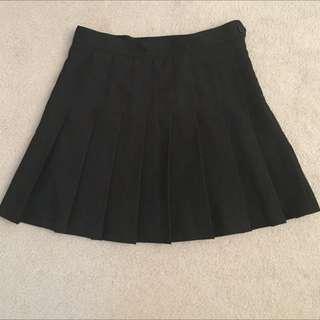 American Apparel Tennis Skirt - Black, size M