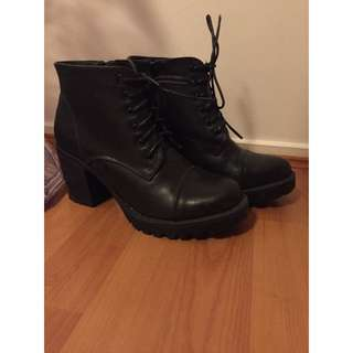 Glassons Boots Size 6