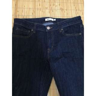👖NET深藍色窄款牛仔長褲(28-30腰)