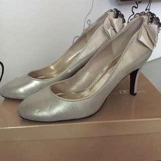 百貨公司購入 as高跟鞋 淡金色鑲鑽 24.5號