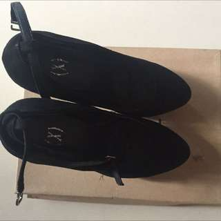 preoved xsml shoes 150K