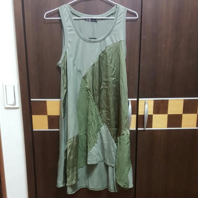 不規則裙襬(稍微前短後長) 無袖 連身裙