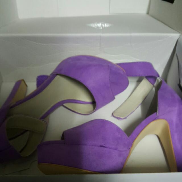 BETTS Purple Heels Size 8