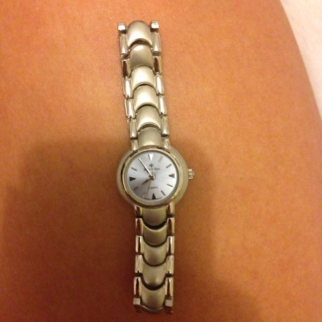 Brand New Silver Quartz Watch