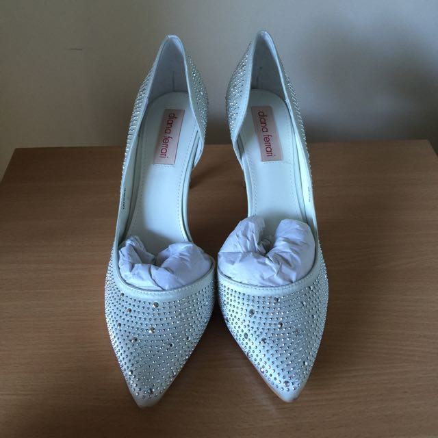 Diana Ferrari White Satin Heels With Studs Size 7