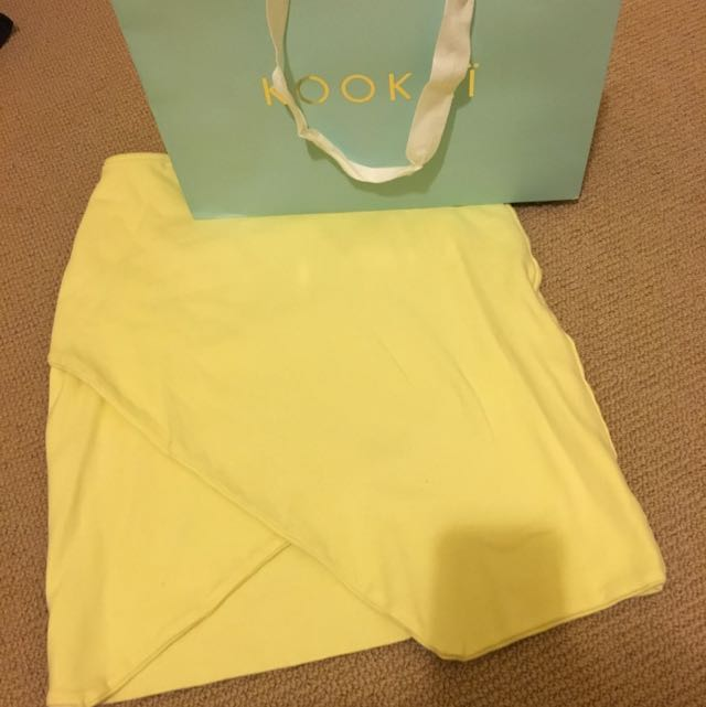 Kookai Pale Yellow Skirt in Size 1