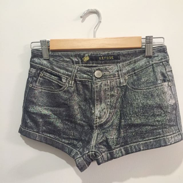 Metallic Shiny CITY BEACH shorts