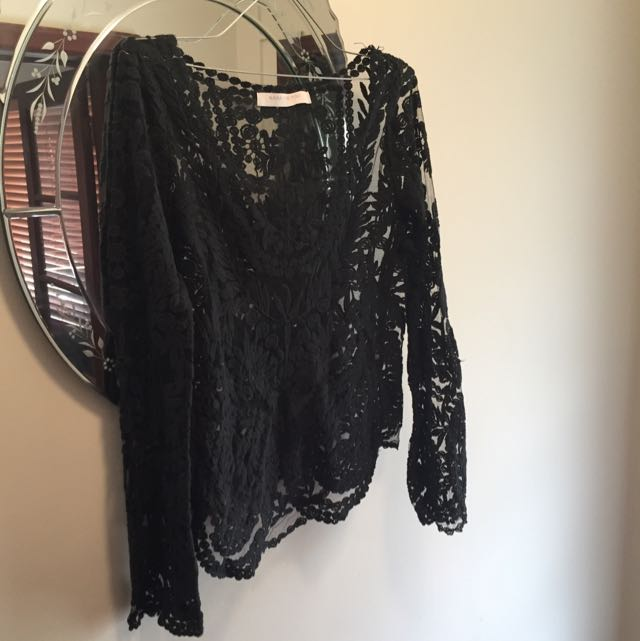 Beautiful Black Lace Top - Med/large