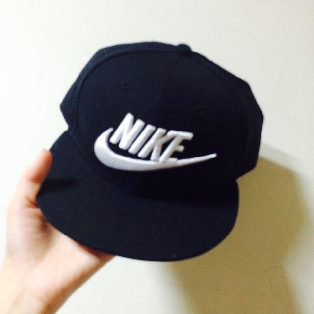 Nike全黑 白勾 刺繡 棒球帽