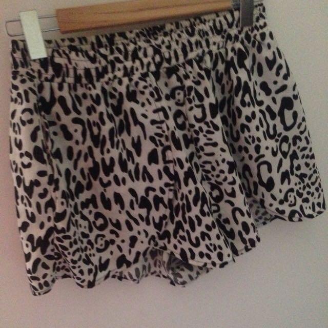 Pare Basic Shorts