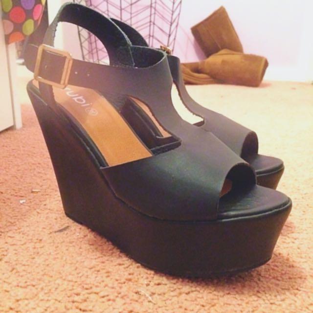 SALE!!!!😜rubi High Heel Shoes