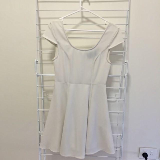 Size XS MinkPink Dress