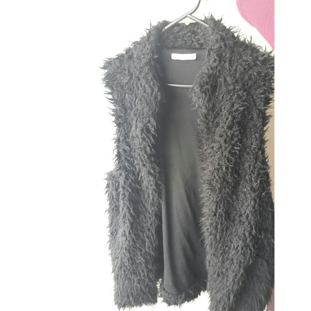 💲💲⤵SUPRE faux Fur Vest Black