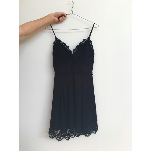 Tigerlily Size 8 Black Dress Never Worn