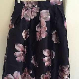 3/4 Length Skirt With Flower Print