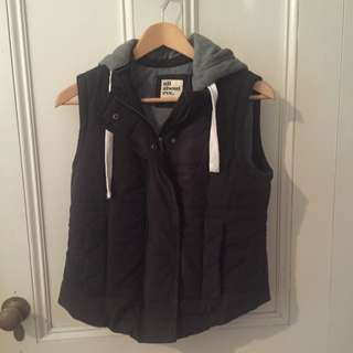 """""""All About Eve"""" Myer Brand Puffer Vest Size 8-10"""