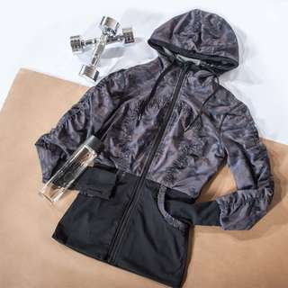100% Brand New F/W running jacket - free shipping