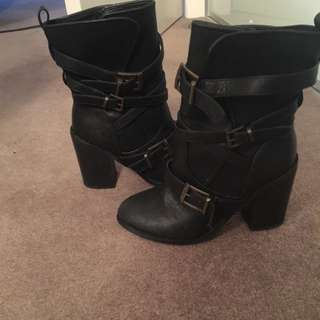 Boots Size 5