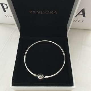 Authentic PANDORA Bow Silver Bracelet!! Brand NEW!!