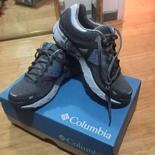 Brand new Columbia Hiking Shoes