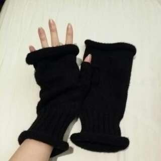 Unisex Black Fingerless Gloves