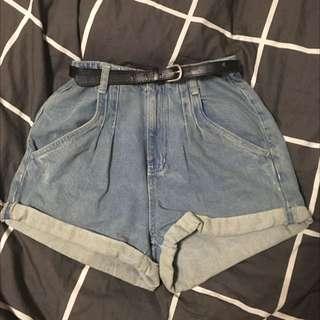 Retro Style Light-wash High waisted Denim Shorts