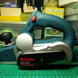 Bosch GHO 10-82 Profesional Wood Planer (Blue)