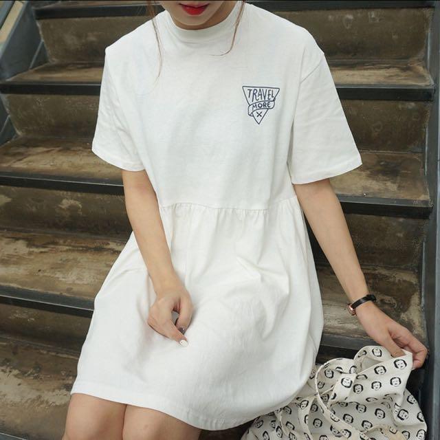 小高領字母印花連身裙