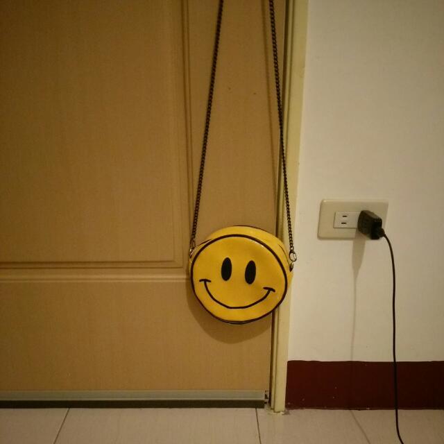 黃色笑臉側背小包