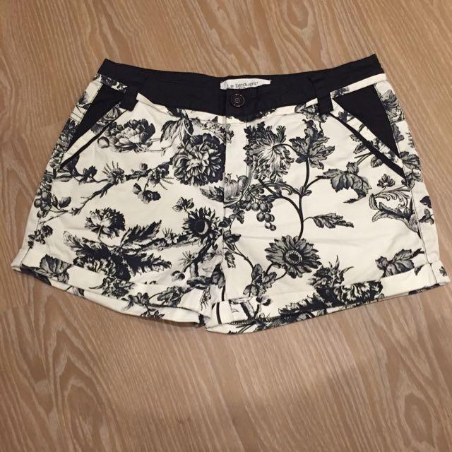 黑白花色短褲