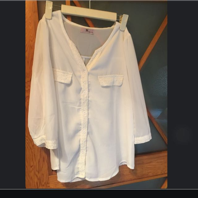 白雪紡材質 蕾絲袖口襯衫(全新)