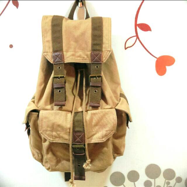 美式背包  旅行包 書包 / 適合男女-保留