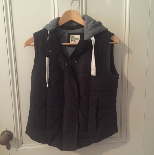 """All About Eve"" Myer Brand Puffer Vest Size 8-10"