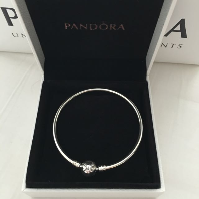 Authentic PANDORA Bow Silver Bracelet!! Brand NEW!!