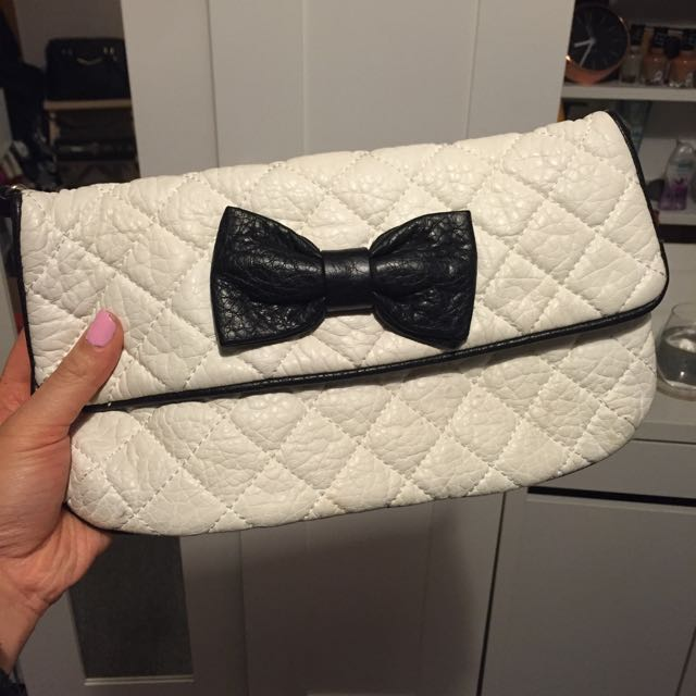 Forever 21 Cute Bow Black White Clutch Bag