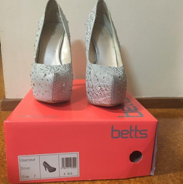 Glitter Silver Heels size 7