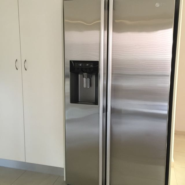 LG DOUBLE DOOR FRIDGE WITH WATER AND ICE FILTER