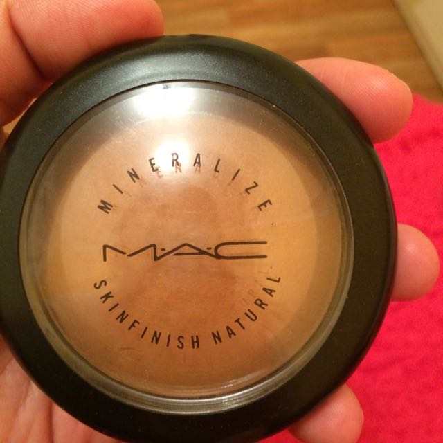 Pending--Mac Mineralize Skinfinish Natural