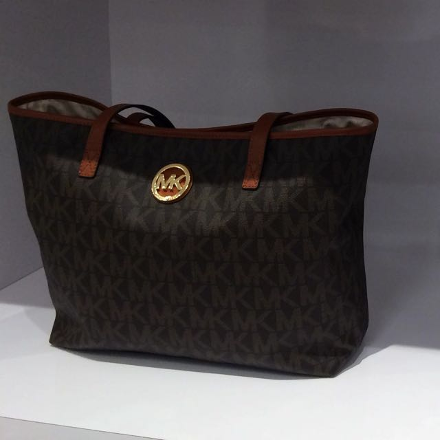 Michael Kors Signature Jet Set Tote
