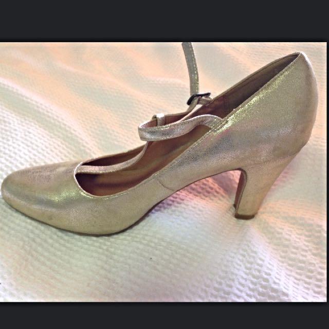 Modcloth Gold T-strap Heels